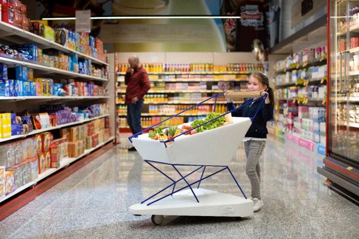 Voici le chariot de supermarché Ford qui freine toutseul